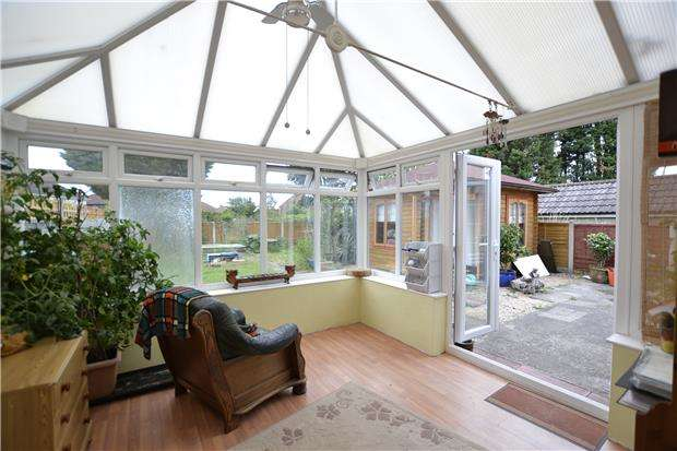 3 Bedrooms Semi Detached House for sale in Ravenglass Crescent, Southmead, Bristol, BS10 6ES
