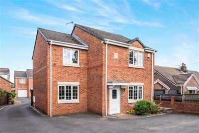 4 Bedrooms House for rent in The Stocks Court, Lowton