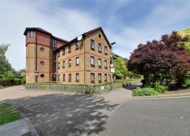 1 Bedroom Retirement Property for sale in Stokes Court, East Finchley, N2