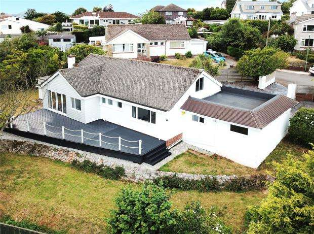4 Bedrooms Detached Bungalow for sale in Lawn Close, Torquay, Devon