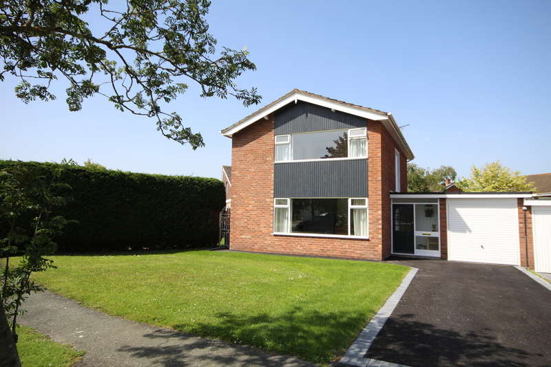 3 Bedrooms Semi Detached House for sale in Radnor Drive, Chester