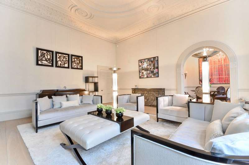 2 Bedrooms Flat for rent in Princes Gate, South Kensington, SW7