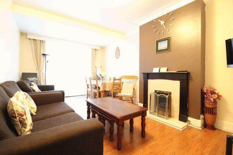 4 Bedrooms Semi Detached House for sale in LARGE TRADITIONAL FAMILY HOME on Ashburnham Road