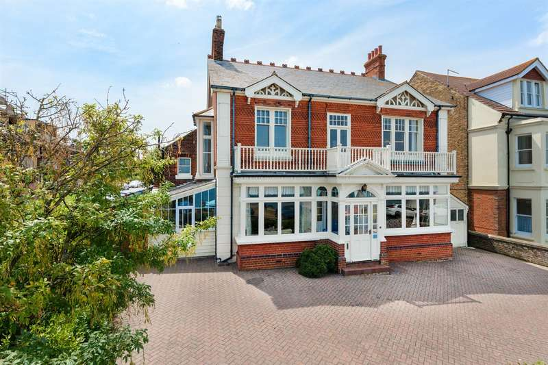 6 Bedrooms Detached House for sale in Beacon Hill, Herne Bay