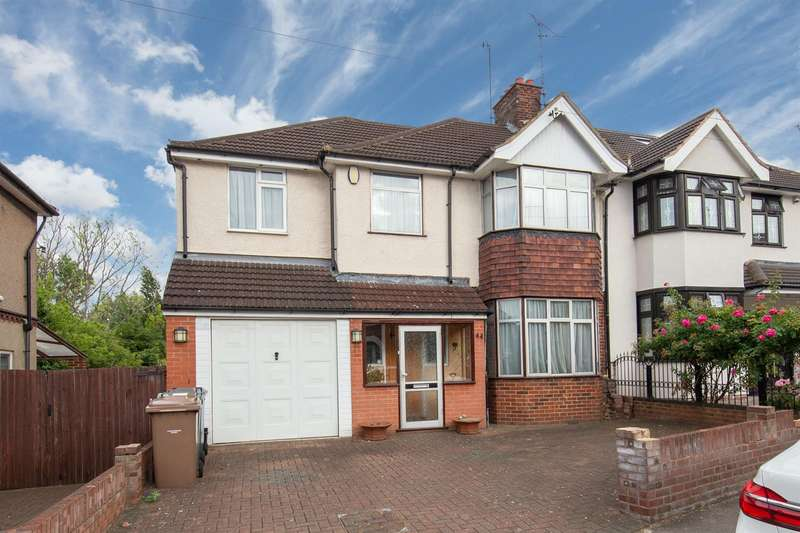 5 Bedrooms Semi Detached House for sale in Carlton Crescent, Luton, Bedfordshire