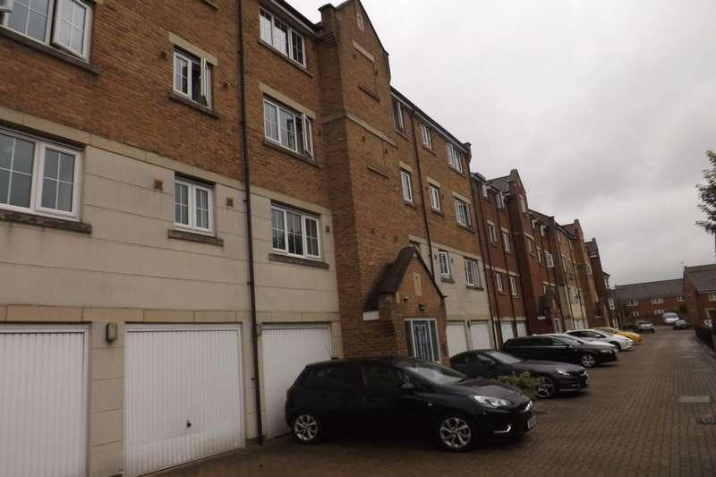 2 Bedrooms Flat for sale in Luton Road, Dunstable, LU5