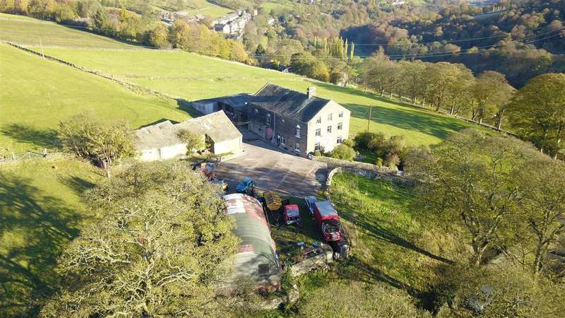 5 Bedrooms Detached House for sale in Lower Deerplay Farm, Oak Lane, Triangle, HX6 3DT