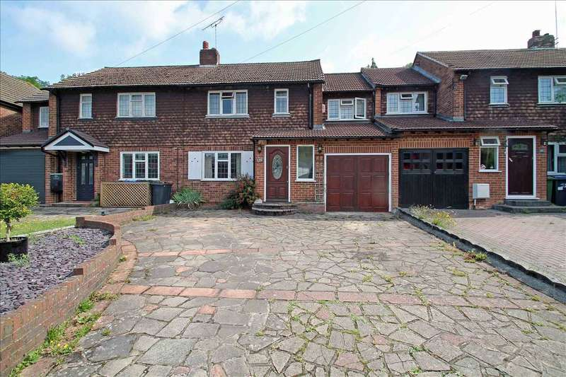 3 Bedrooms Semi Detached House for sale in Caterham Drive