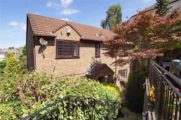 4 Bedrooms Detached House for sale in Church Road, Hanham, Bristol, Gloucestershire