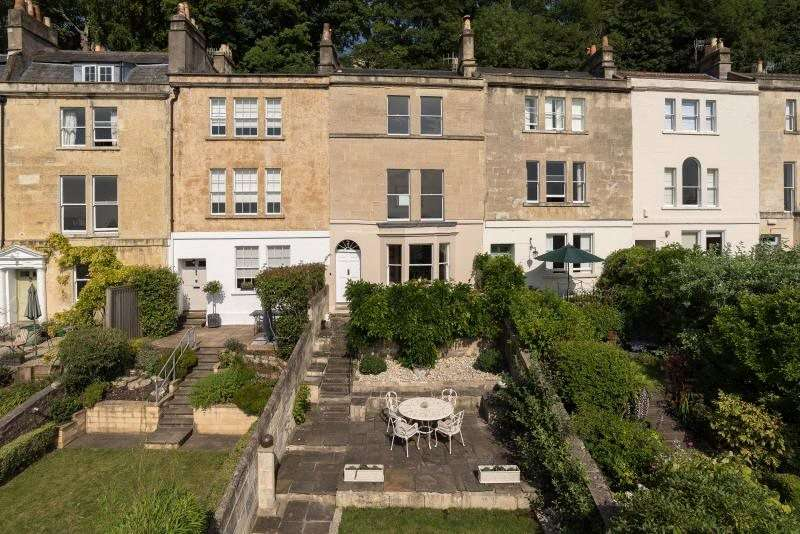 4 Bedrooms Terraced House for sale in Upper Camden Place, Bath, BA1
