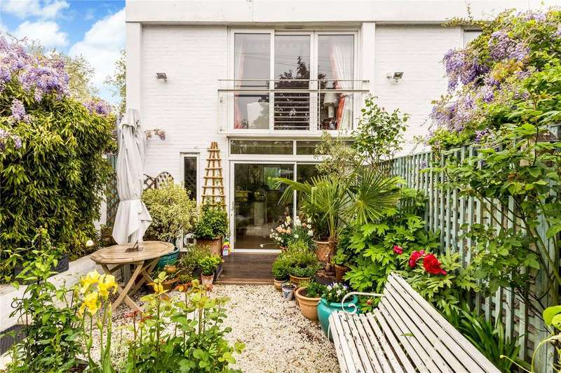 5 Bedrooms End Of Terrace House for sale in Albert Court, Central Cross Drive, Pittville, Cheltenham, Gloucestershire, GL52