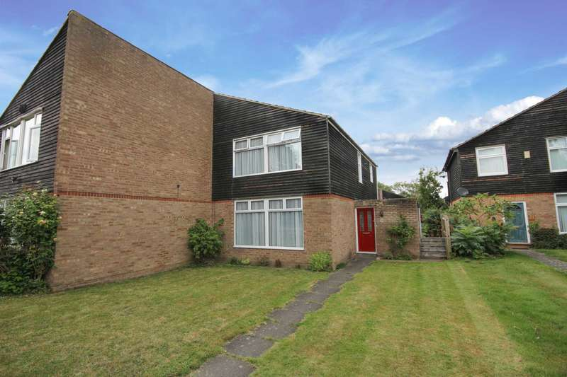 3 Bedrooms Semi Detached House for sale in Lauradale, Bracknell