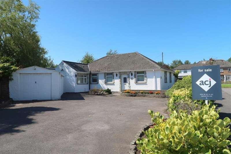 3 Bedrooms Detached Bungalow for sale in Dyffryn Place, Barry