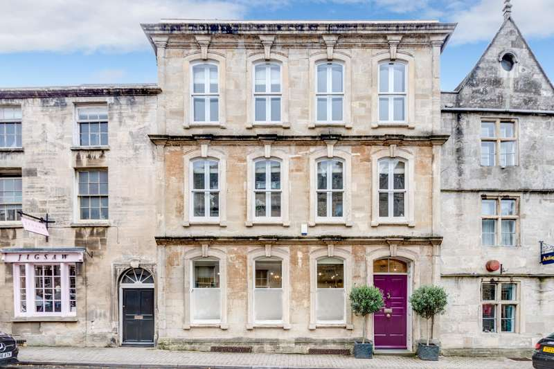 3 Bedrooms Property for sale in 34, Long Street, Tetbury, Gloucestershire