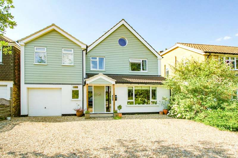 5 Bedrooms Detached House for sale in Barkham Road, Wokingham, Berkshire, RG41