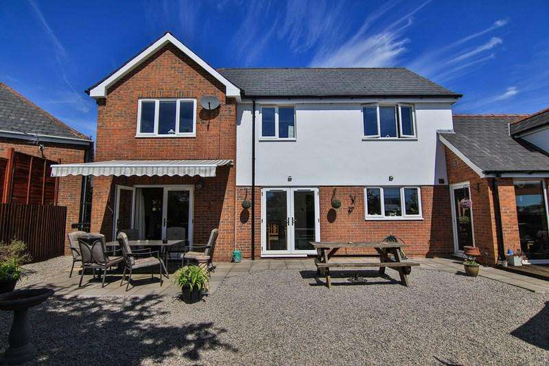 4 Bedrooms Detached House for sale in Park Road, Berry Hill, Coleford