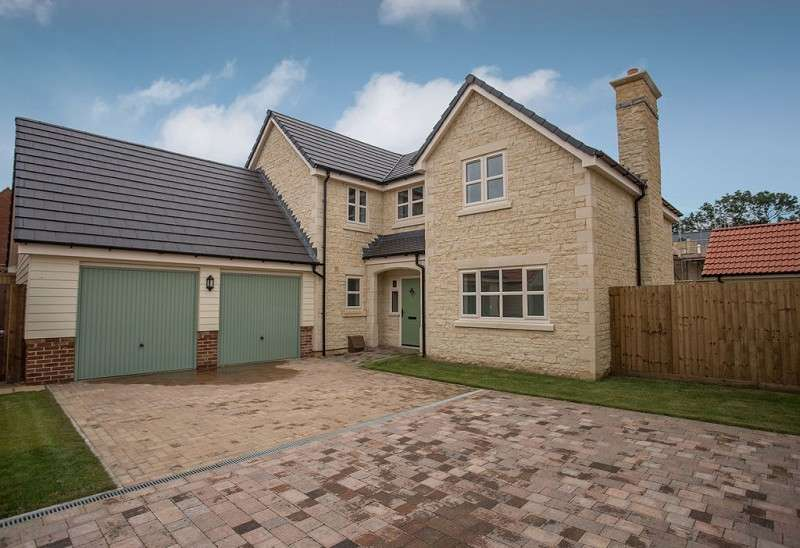 5 Bedrooms Detached House for sale in Wootton Close, Deeping St. James, Peterborough, Cambridgeshire. PE6 8SD