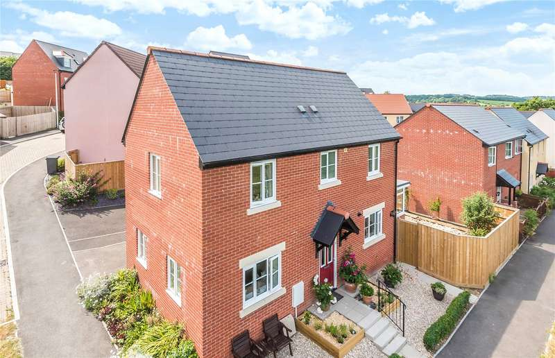 3 Bedrooms Detached House for sale in Upper Mead, Axminster, EX13