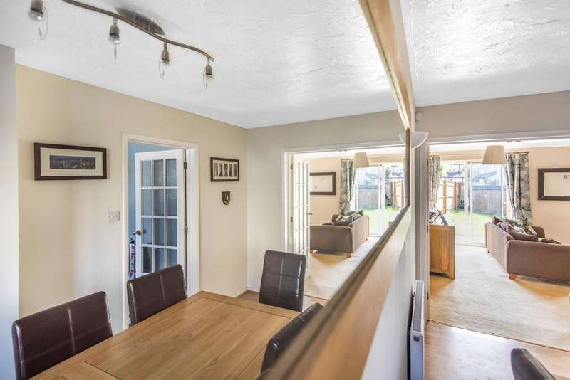 3 Bedrooms Semi Detached House for sale in Chalford, Stroud