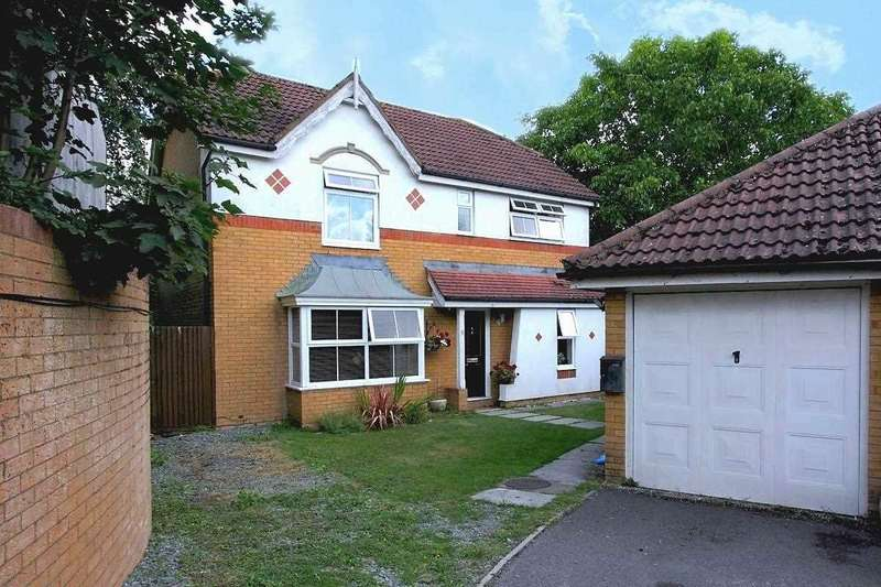 4 Bedrooms Detached House for sale in Leyton Way, Andover