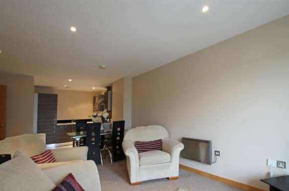 2 Bedrooms Apartment Flat for rent in Victoria Mills, Salts Mill Road, Shipley