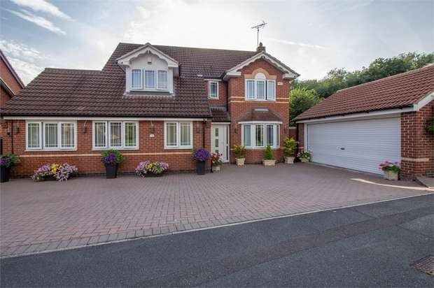 5 Bedrooms Detached House for sale in Woodcote Way, Littleover, Derby