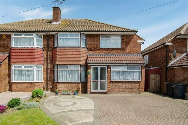 3 Bedrooms Semi Detached House for sale in Mountgrace Road, Luton, Bedfordshire