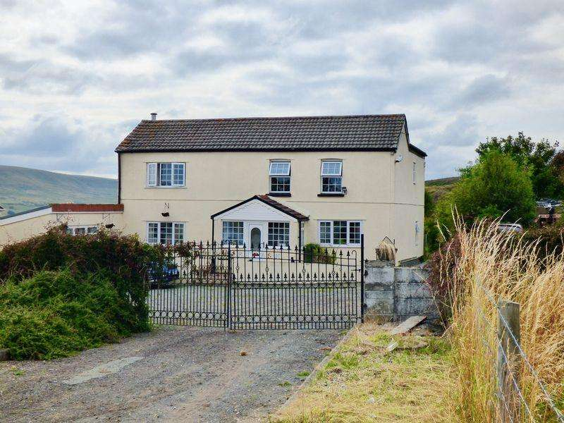 3 Bedrooms Detached House for sale in Redhouse Farm, Blaenavon
