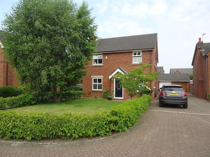 4 Bedrooms Detached House for rent in Squirrels Chase, Clifton, Preston