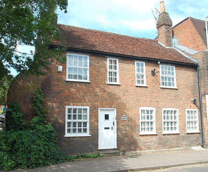 3 Bedrooms Cottage House for sale in High Street, Chalfont St. Peter, SL9
