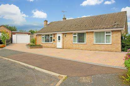 3 Bedrooms Bungalow for sale in Brandon, Suffolk