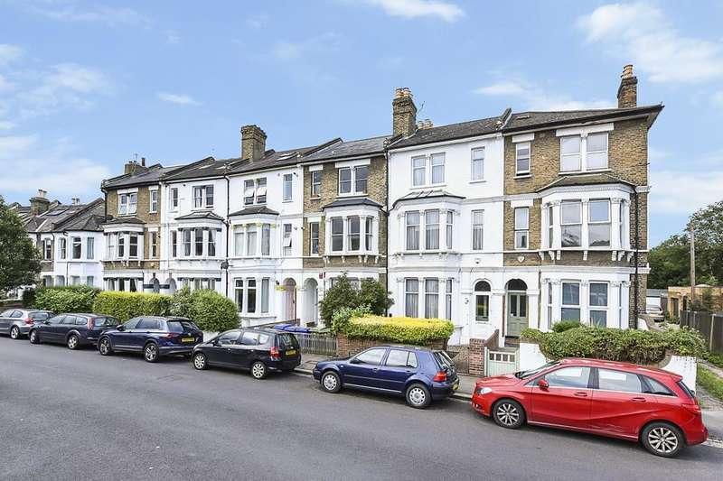 2 Bedrooms Flat for sale in Worlingham Road, London SE22