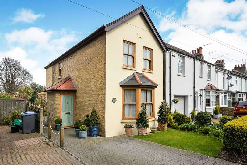 4 Bedrooms Detached House for sale in London Road, Deal, Kent, CT14