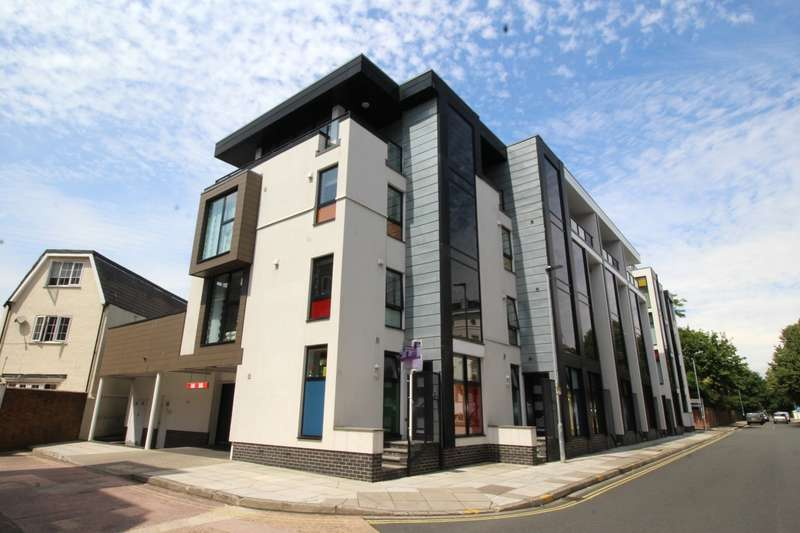 4 Bedrooms End Of Terrace House for sale in Mondrian Mews, Portland Road, Southsea, Hampshire, PO5