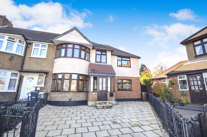 4 Bedrooms Semi Detached House for sale in Elmer Gardens, Isleworth, Middlesex, TW7