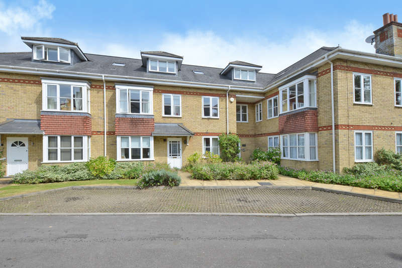 2 Bedrooms Flat for rent in Woodmill Court, London Road