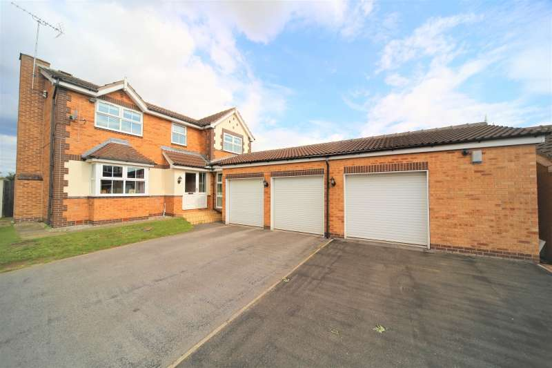 4 Bedrooms Detached House for sale in Amorys Holt Way, Maltby, Rotherham
