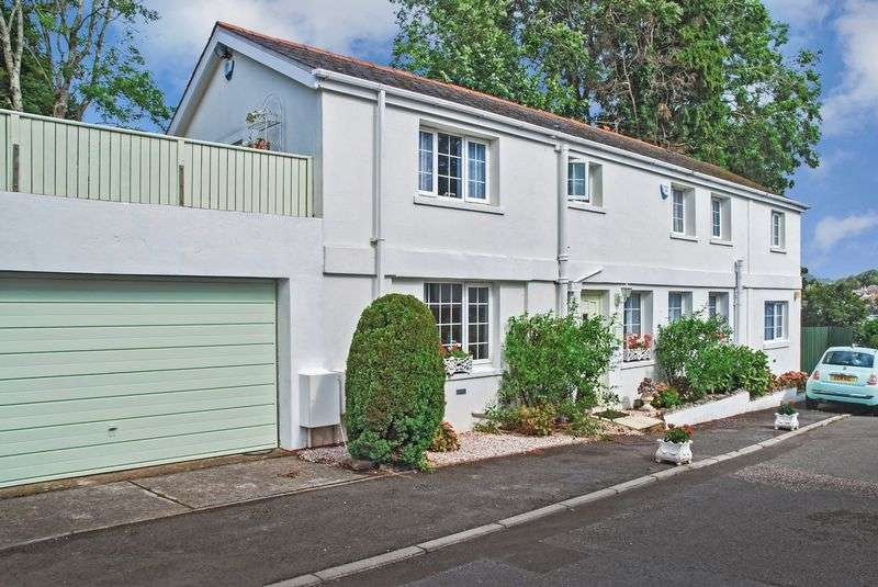 3 Bedrooms Property for sale in Valley View Close, Torquay