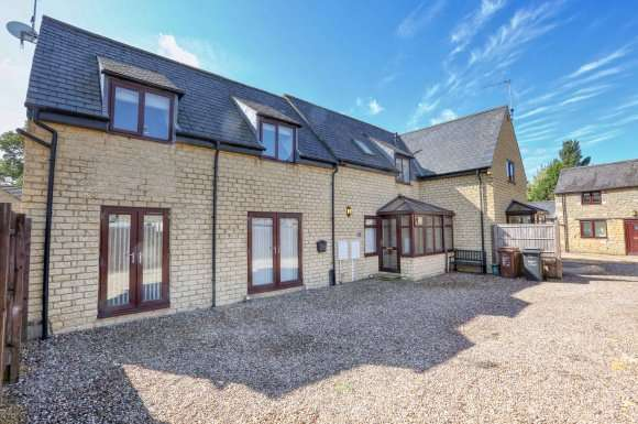 3 Bedrooms Detached House for sale in Chapel Road, Weldon