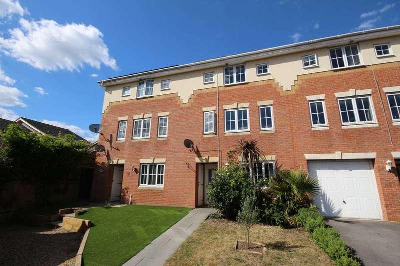 4 Bedrooms Town House for sale in Hopper Vale, Bracknell