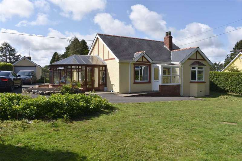 3 Bedrooms Detached Bungalow for sale in Llanfihangel Ar Arth, Pencader