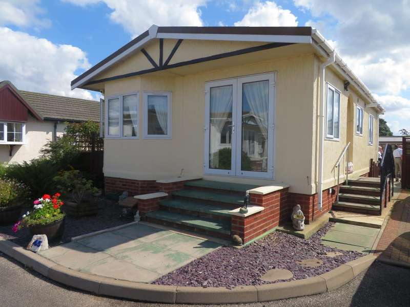 2 Bedrooms Detached House for sale in Fenland Village, Osborne Road, Wisbech, Cambs, PE13 3JR
