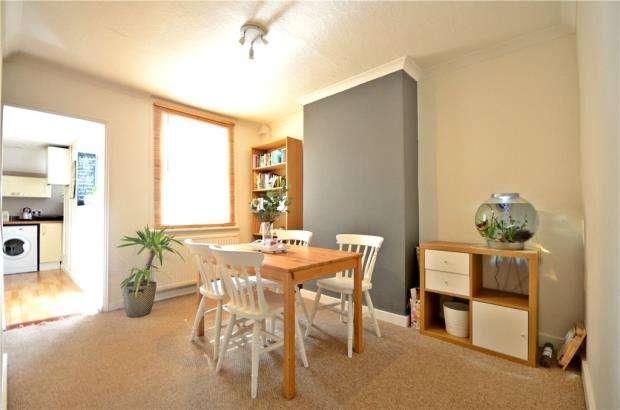 2 Bedrooms Terraced House for sale in Sherwood Street, Reading, Berkshire