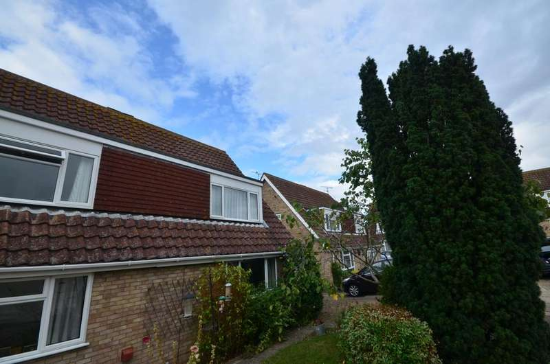 3 Bedrooms Detached Bungalow for rent in Shearwater Avenue Whitstable CT5