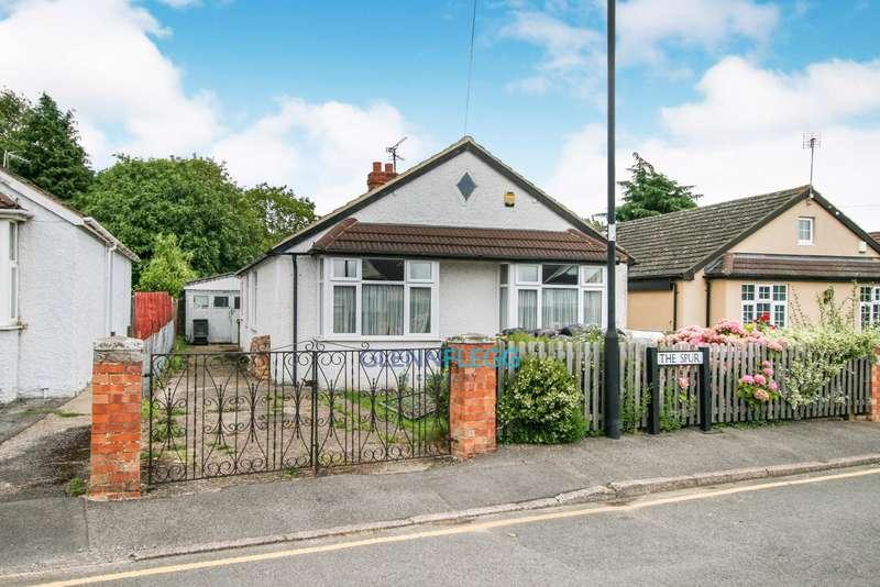 3 Bedrooms Bungalow for sale in Burnham, Slough