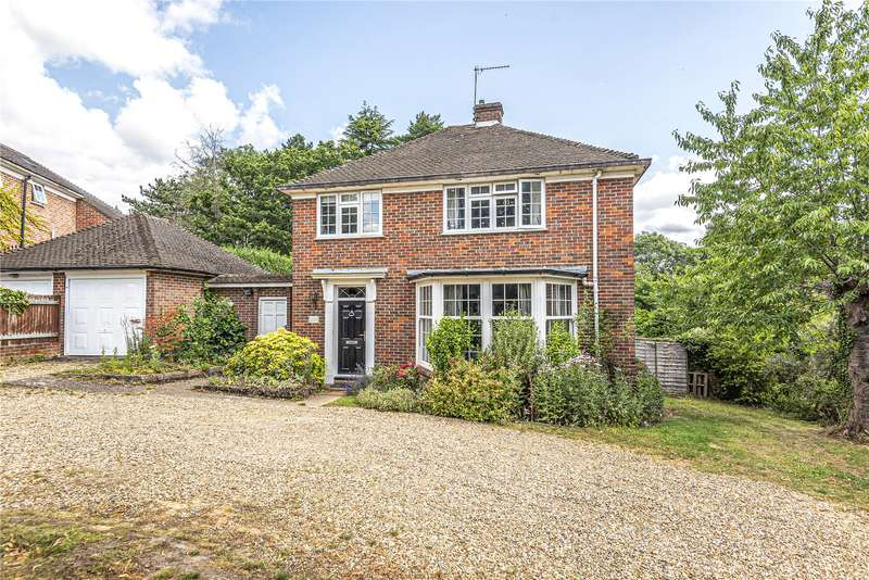 3 Bedrooms Detached House for sale in Woodhill Avenue, Gerrards Cross, Buckinghamshire, SL9
