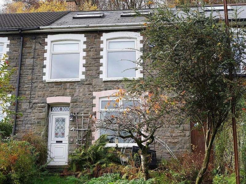 3 Bedrooms End Of Terrace House for sale in Beech Terrace, Cwmcarn, Newport. NP11
