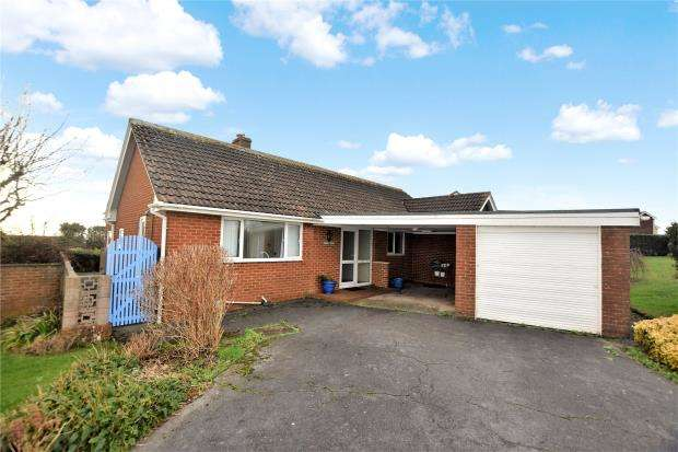 3 Bedrooms Detached Bungalow for sale in Foxholes Hill, Exmouth, Devon