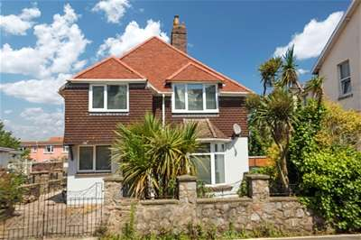 3 Bedrooms Detached House for sale in Garfield Road, Paignton