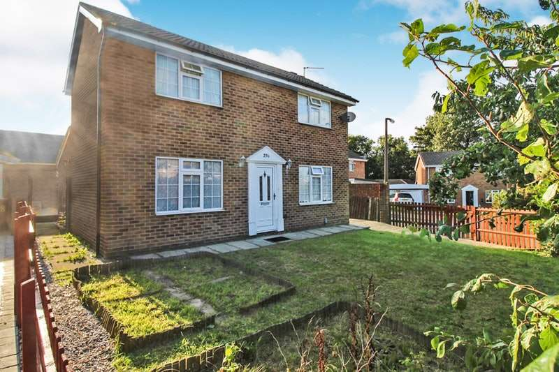 4 Bedrooms Detached House for sale in Hunters Park Avenue, Bradford, West Yorkshire, BD14
